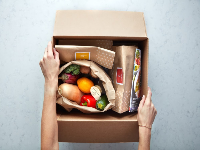 Lifestyle-8-20-Day-2-overhead-box-open-with-ingredients-1-1-1.jpg